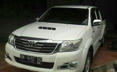 Jual mobil Toyota Hilux 2013