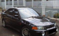 Mitsubishi Lancer 1.6 GLXi 2000