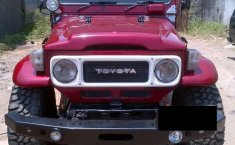 Toyota Hardtop 1990 Merah