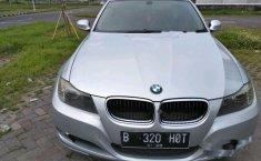 Jual mobil BMW 320i 2011 Jawa Timur 2715765 on jawa indonesia, jawa tengah, jawa language, jawa barat,