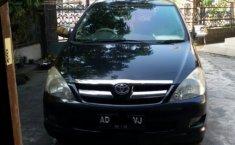 Toyota Innova 2004