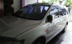 Mitsubishi Chariot Tahun 2000