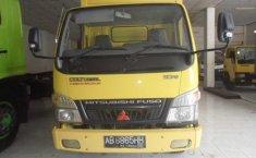 Mitsubishi Fuso Truck NA Kuning 2009
