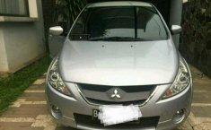 Jual mobil Mitsubishi Grandis 2010 dp 13juta