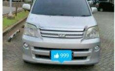 Toyota Noah AT Tahun 2005 Automatic