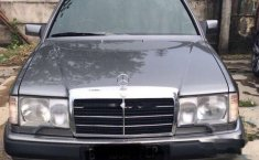 Jual mobil Mercedes-Benz 300CE C124 3.0 Automatic 1990 Sedan