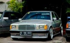 Jual Mobil Mercedes-Benz 190E 1986