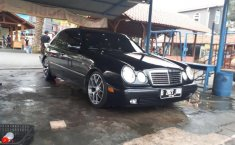 Mercedez Benz E230 Tahun 1997 Automatic