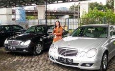 Untung Rugi Beli Mobil Premium Bekas Taksi
