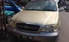 Dijual mobil Kia Sedona GS 2005 MPV