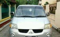 Mitsubishi Maven 2005
