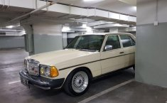 Mercedes-Benz 280E W123 1984 Sedan