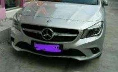 Mercedes-Benz 200 tahun 2015 siap pakai