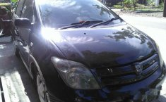 Jual mobil Toyota IST 1.5 Manual 2004 Jawa Barat