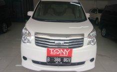 Toyota NAV1 G 2013 Putih mutiara