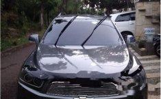 Dijual mobil Chevrolet Captiva Pearl White 2012 SUV