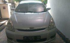 Toyota Wish 2004 MPV