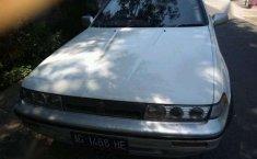 Nissan Cedric Tahun 1990