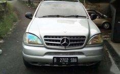 Jual Mercedes-Benz 320 Tahun 2001