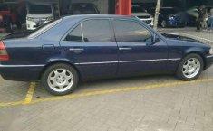 Jual Mobil Mercedes-Benz 200 1995