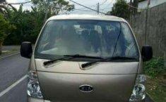 Jual mobil Kia Travello Option 2 Tahun 2008
