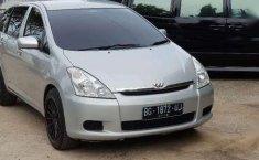 Toyota Wish 1.8 MPV 2003