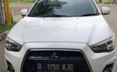 Dijual mobil Mitsubishi Outlander Px 2014 Limited Edition