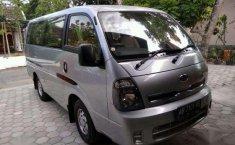 Jual mobil Kia Travello Van MT Tahun 2013 Manual
