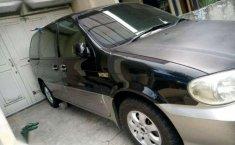 Jual mobil Kia Sedona 2005