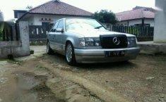 Jual Mercedes-Benz 300 tahun 1987 kondisi terawat
