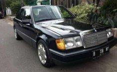 Jual cepat Mercedes-Benz 230E 1992 siap pakai