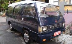 Jual mobil Mitsubishi L300 Van MT Tahun 2000 Manual