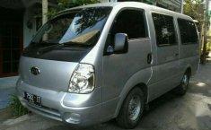 Jual mobil Kia Travello MT tahun 2007