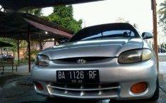 Jual mobil Hyundai Accent GLS MT Tahun 2001 Manual