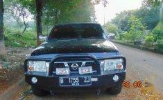 Jual mobil Nissan Terrano Grandroad Tahun 2005