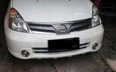Mobil Nissan Grand Livina XV MT Tahun 2012 dijual