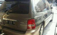 Jual mobil Kia Sedona MT 2003