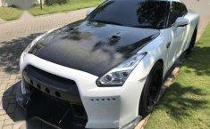 Jual mobil Nissan GTR R35 Mine's White 2011