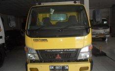 Mitsubishi Fuso Trucks 2013 Kuning