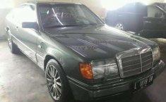 Mercedes-Benz 300CE AT Tahun 1992