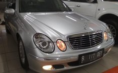 Jual mobil Mercedes-Benz E260 E260 2006 Jual