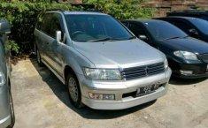 Mitsubishi Chariot Grandis GDI 2.4 AT 2000 dijual