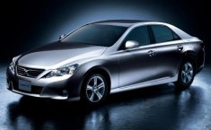 Review Toyota Mark X 2012, Sedan Berpenggerak Belakang Edisi Terbatas