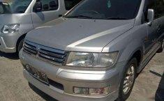 Mitsubishi Chariot 2.4 2000