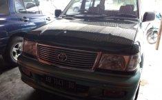 Toyota Kijang Krista 2000
