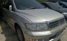 Mitsubishi Chariot 2000