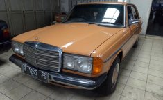 Mercedes-Benz 230E Manual 1990 dijual