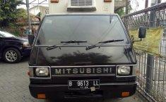 Mitsubishi L300 Box 2001