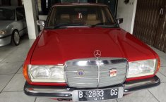 Mercedes-Benz 200 2.0 Manual 1983