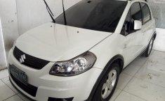 Suzuki X-Over AT 2011 dijual